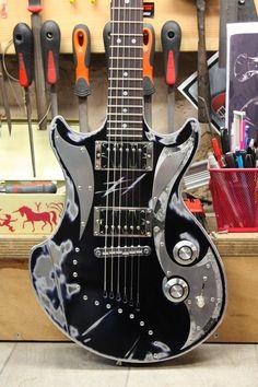 MeloDuende Guitars. Aluminium Guitars - Handmade in France.
