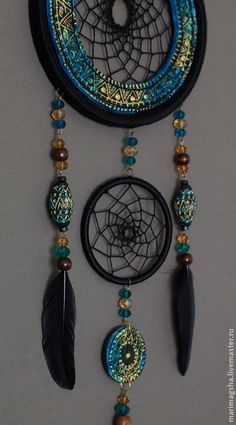 dream catchers with polymer clay Doily Dream Catchers, Beautiful Dream Catchers, Dream Catcher Mobile, Dream Catcher Native American, Native American Art, Los Dreamcatchers, Medicine Wheel, Arts And Crafts, Diy Crafts