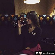 Бокал вина 🍷 это душевные и тёплые беседы с друзьями и любимыми, уютные вечера и  время в котором отражается город 🌃 #Repost @atrashyenok with @repostapp ・・・ Как же я люблю такие душевные вечера с моей любимой @katya__begun 💗 Давно мы так не говорили, давно мы так не напивались😂💋 #shafran #shafranloungecafe #loungecafe #kids #kidsroom #kidsdecor #kidsdecoration #kidsdesign #food #tastyfood #hookah #easterncuisine #europeancuisine #music #dj #celebritydj #terrace  Yummery - best recipes…