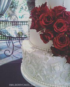 White wedding cake with royal icing piping, fondant lace and fresh red roses - fondant rose Royal Icing Piping, Fondant Lace, Sugar Lace, Red Roses, Cake Decorating, Wedding Cakes, Fresh, Desserts, Pink