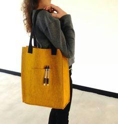 Wil jij ook je eigen versie van deze Knipmode tas. Maak tijdens het Any Dress Naaicafé en steel de show.  http://anydress.biedmeer.nl/Webwinkel-Product-101679497/Naaicaf%C3%A9.html