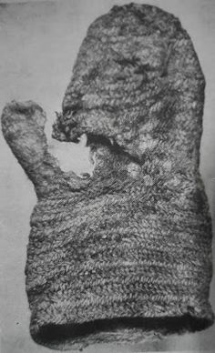The Oslo mitten, dated to the 10th century