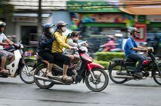 Gezin op de brommer (Vietnam)