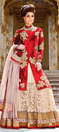 This model looks nothing less than Mughal Princess in this #lehenga. https://www.facebook.com/nikhaarfashions