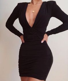 See other great ideas about Styles clothing, Spoils outfits and Female style. Glamouröse Outfits, Cute Casual Outfits, Pretty Outfits, Pretty Dresses, Beautiful Dresses, Casual Dresses, Short Dresses, Fashion Dresses, Sexy Dresses