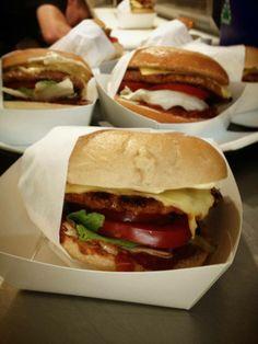 Round the Way Food Truck  Czech 1-2 Bagel burgers #cevapi #burger #bagel #bagelburger #foodtruck