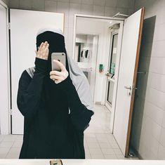Just niqab dear! Arab Girls Hijab, Muslim Girls, Muslim Couples, Muslim Women, Hijab Niqab, Muslim Hijab, Mode Hijab, Niqab Fashion, Muslim Fashion