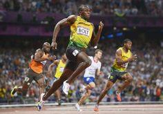 Usain Bolt ganó el oro en los 200 metros con 19:32 segundos, y es el primer atleta en la historia en conseguir un doblete con esta prueba y la de 100 en dos Juegos Olímpicos consecutivos, estos y los de Beijing. Además, Jamaica tuvo el podio con Yohan Blake y Warren Weir.