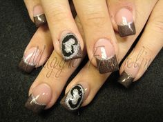 Spaded Nails! Thats right girls a whole new way to rep the spade! #SRH #WeRunTheUnderground REPIN!