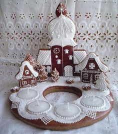Hungarian gingerbread statue for Advent:) Beautiful Old World Christmas, Christmas And New Year, Christmas Home, Christmas Holidays, Xmas, Christmas Gingerbread, Christmas Cookies, Gingerbread Houses, Fantasy Cake