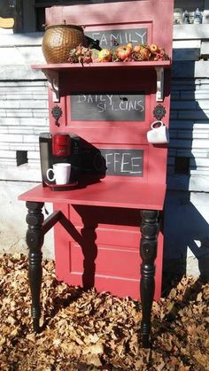 Super Old Door Bar Diy Projects Ideas Coffee Station Kitchen, Coffee Bar Home, Home Coffee Stations, Coffee Bars, Old Door Projects, Diy Projects, Upcycling Projects, Repurposing, Furniture Makeover
