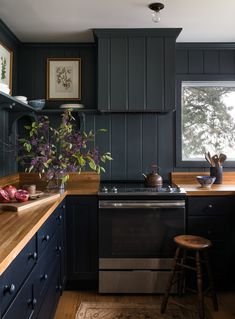 Uplifting Kitchen Remodeling Choosing Your New Kitchen Cabinets Ideas. Delightful Kitchen Remodeling Choosing Your New Kitchen Cabinets Ideas. Black Kitchen Cabinets, Kitchen Cabinet Design, Black Kitchens, Black Kitchen Furniture, Black And Grey Kitchen, Small Kitchens, Dark Cabinets, Kitchen Designs, Cozy Kitchen