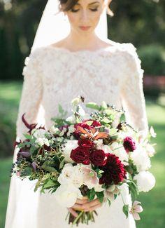 Photography: Rebecca Arthurs - rebecca-arthurs.com Floral Design: Greenlion…