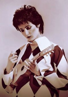 Image uploaded by Find images and videos about siouxsie sioux on We Heart It - the app to get lost in what you love. Siouxsie Sioux, Siouxsie & The Banshees, Pop Rock, Rock And Roll, Women Of Rock, Rock News, New Wave, Goth Women, Gothic Rock