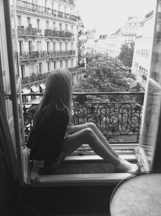 sian-valentine:    How often I have lost myself in a state ofblissfulreverie, longing to have such a horizon just outside the confines of my window, while I gaze at it, awe-struck, from my seventh story apartment.