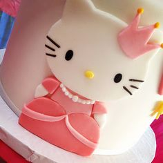 this small cake on top of pink tutu cupcake tower, with fondant topper 5 in sparkly pink? Hello Kitty Theme Party, Hello Kitty Themes, Hello Kitty Cake, Hello Kitty Birthday, Kitty Party, Tutu Cupcakes, Blue Cupcakes, Cupcake Cakes, Cat Cakes