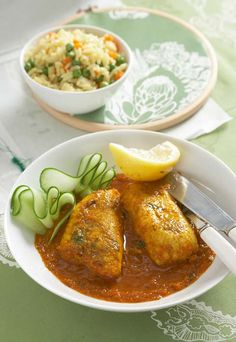 The winter won't feel so cold with this curry recipe. Spicy Recipes, Curry Recipes, Fish Recipes, Seafood Recipes, Indian Food Recipes, Asian Recipes, Cooking Recipes, Healthy Recipes, Ethnic Recipes