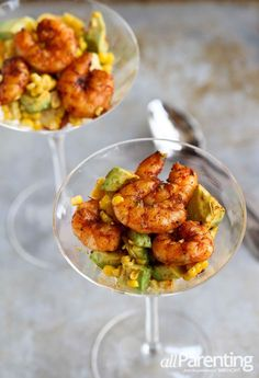 Spicy Shrimp Cocktail with Avocado & Corn Fish Recipes, Seafood Recipes, Appetizer Recipes, Appetizers, Cooking Recipes, Healthy Recipes, I Love Food, Good Food, Yummy Food