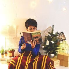We caught a little wizard styling his loyalty with our cozy GRYFFINDOR™ blanket! Show us how you're styling our HARRY POTTER™ Collection using #mypbteen for a chance to be featured on our Instagram Page. (: @hayaisreading)