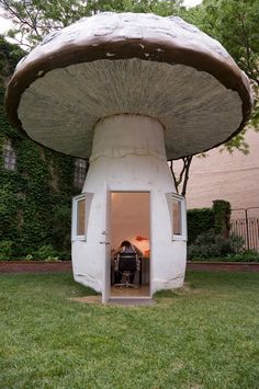 Katie Bethune-Leamen has been creating mushrooms, most recently for the Toronto Sculpture Garden. Nestled under a canopy of trees between a restaurant patio and condominiums is a 20-foot-tall toadstool, a giant Amanita pantherina made of steel, foam, and wood. Inside its hollow stem is the artist's studio.
