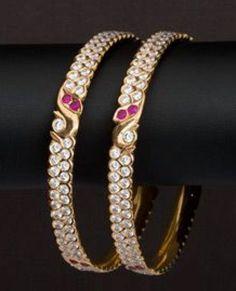 Plain Gold Bangles, Gold Bangles Design, Gold Earrings Designs, Gold Jewellery Design, Gold Jewelry, India Jewelry, Temple Jewellery, Antique Jewellery, Necklace Designs