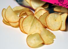 Baked yucca chips