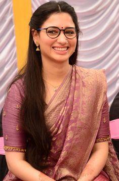 Beautiful Girl In India, Most Beautiful Indian Actress, Beautiful Actresses, Tamanna Hot Images, Dehati Girl Photo, Indian Girl Bikini, Indian Actress Photos, Saree Models, Elegant Saree