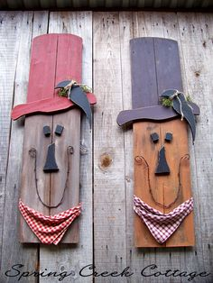 Welcome to Spring Creek Cottage! We are so pleased you have dropped in. We hope you enjoy your visit. Each Scarecrow / Pumpkin Man is handmade and created from reclaimed lumber, one at a time in the USA. *Made To Order* Made to order doesnt mean made to wait! Fast turnaround in seven business days or less. ¸¸.•*¨Giant Wooden Scarecrow¨*•.¸¸ Uniquely painted by hand, sanded, and hand rubbed on a reclaimed board carefully selected for its character. This captures charm found in a boa...
