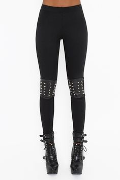 whoa!! these leggings are amazing! those boots are too! hopefully i don't knee anyone