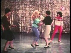 Cantinflas bailando, pelicula El Extra - YouTube