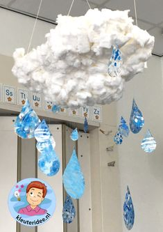 Wolk met regen knutselen kleuters, thema water, kleuteridee Frozen Musical, Crafts To Make, Crafts For Kids, Project 4, Earth Day, Toddler Activities, Deco, Clouds, Winter