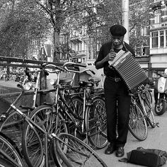 Music for the bicycles by steppeland -  Amsterdam street photography