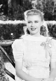 Ginger Rogers - CLASSIC HOLLYWOOD GLAM