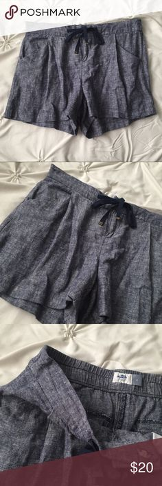 Old Navy Blue Denim High Waisted Loose Shorts Old Navy Blue Denim High Waisted Loose Drawstring Shorts size 2 ----- 🚭 All items are from a non-smoking home. 👆🏻Item is as described, feel free to ask questions. 📦 I am a fast shipper with excellent ratings. 👗I love bundles & bundle discounts. Feel free to make an offer! 😍 Like this item? Check out the rest of my closet! 💖 Thanks for looking! Old Navy Shorts