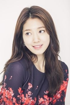 """In a recent interview with TV Report, Park Shin Hye opened up about her love life, saying that she had secretly dated throughout the years. """"Although I'm not dating anyone right now, I've been dating on and off without the public noticing;some of the experiences were more memorable than the others,..."""
