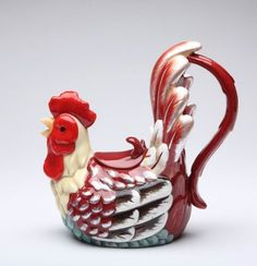 Rooster Teapot--I know a sister who would love this.  Yep, I love it!