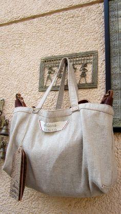 #Chiaroscuro #MadeInIndia #Handloom #Handbag #Bag #WorkshopMade #Casual #Vintage #Packaging #Dustbag #CottonJute