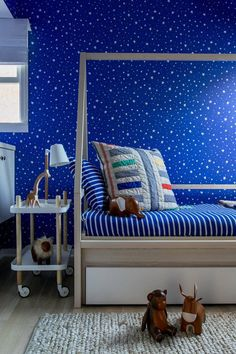 Circu Magical Furniture offers a vast option of blue furniture with an exclusive design combined with the luxury of high-quality materials. Click to see our amazing design: CIRCU.NET