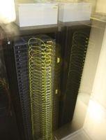 Le « Green IT » a pour but d'améliorer l'efficacité énergétique des systèmes distribués à grande échelle, comme les data-centers, les clouds et les réseaux de télécommunications. Ce domaine a pu se développer grâce aux modèles plus sophistiqués de l'usage énergétique des équipements informatiques.