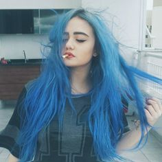 i think I'm gonna dye my hair like a cotton candy pink Pelo Color Azul, Pastel Goth Fashion, Grunge Fashion, Beauty And Fashion, Fashion Tips, Fashion Hair, Cheap Fashion, Corte Y Color, Coloured Hair