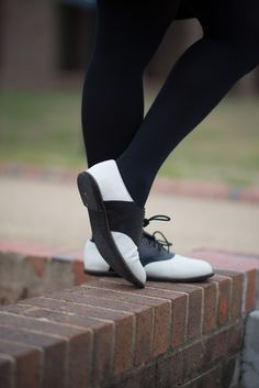 black and white monochromatic non color saddle shoes oxford brogue bowling college style university campus sartorialist