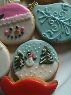 Learn how to make easy and fun Christmas treats for kids to make - sugar cookies! These recipes are super easy to make and will make the perfect holiday desserts over the festive season! Halloween Sugar Cookies, Christmas Sugar Cookies, Christmas Treats, Holiday Treats, Holiday Desserts, Christmas Recipes, Holiday Recipes, Holiday Baking, Christmas Baking
