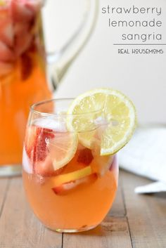 Strawberry Lemonade Sangria | realhousemoms.com