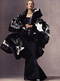 John Galliano, Vogue Editorial, Editorial Fashion, Christian Dior, Carolyn Murphy, Dior Fashion, Fashion Dresses, Fashion Trends, Dior Haute Couture