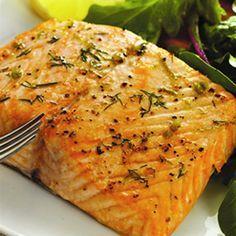 Este salmón requiere de sólo 4 ingredientes para que quede expectacular.