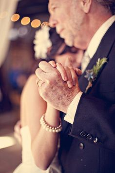 Beautiful Father of the Bride (and Groom) Moments | Bridal Musings Wedding Blog 29