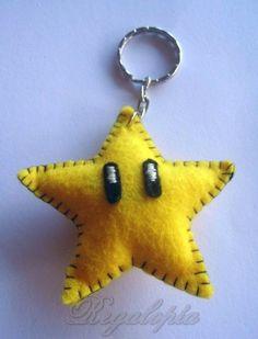 Felt keyring Star // Estrella Super Mario Bros Regalopia, €4.00