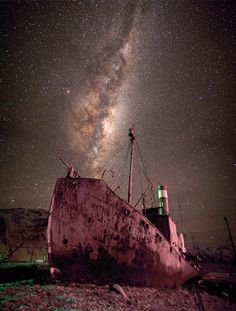 ✯ AWESOME PIC! - The Milky Way over the Petrel