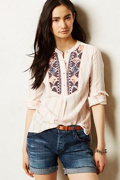 Anthropologie - Mesa Peasant Top - the embroidery detail is interesting and right up my alley. Bohemian Tops, Cute Fashion, Boho Fashion, Fashion Outfits, Moda Boho, Blouse Outfit, Peasant Tops, Dress To Impress, What To Wear