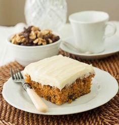 I omitted the nuts and cut the frosting in half, using agave nectar and confectioners sugar. Then topped with raisins. Not as sweet as traditional carrot cake, so good for breakfast or healthy snack. Just Desserts, Delicious Desserts, Yummy Food, Sweet Desserts, Yummy Yummy, Recipes With Crushed Pineapple, Sweet Recipes, Cake Recipes, Yummy Treats